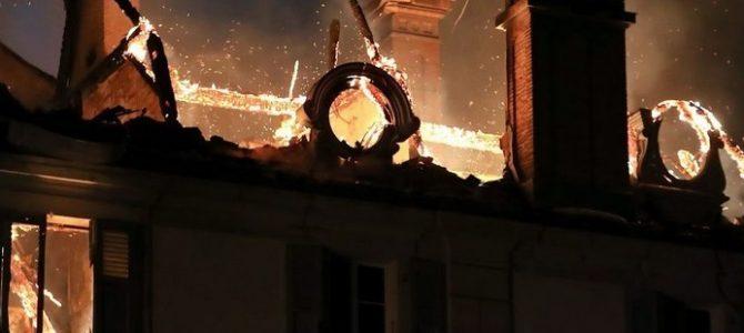 Le château ravagé par un incendie