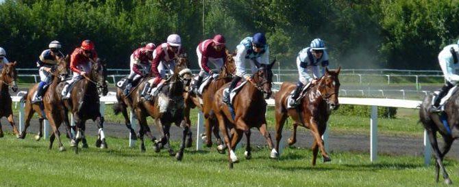 Divonne-les-Bains: haut lieu des courses hippiques et des cures thermales